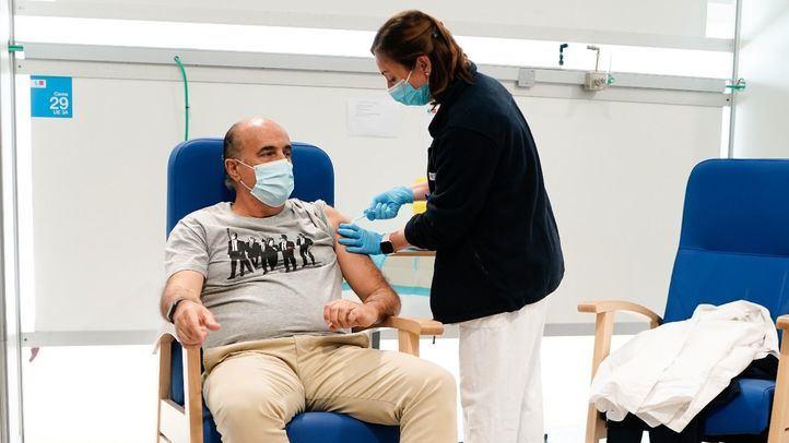 Diez hospitales de la región empezarán a vacunar este fin de semana a población general