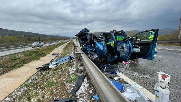 Un accidente múltiple en la A1 deja un herido crítico de 19 años