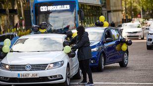 Una caravana de coches recorre Madrid contra el abuso de la temporalidad