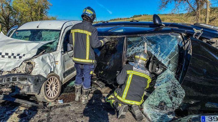 Heridas tres personas en un choque entre vehículos en Loeches