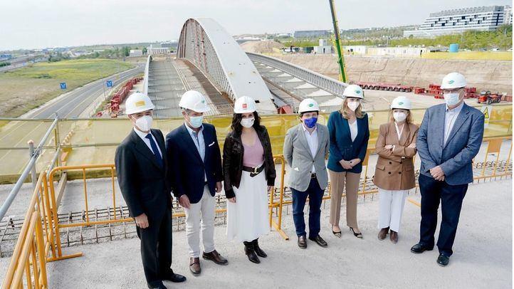 Construcción del Puente de la Concordia, entre Valdebebas y Barajas