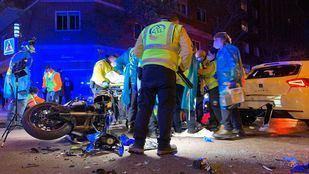 Herido grave un motorista al chocar con un vehículo en Chamberí
