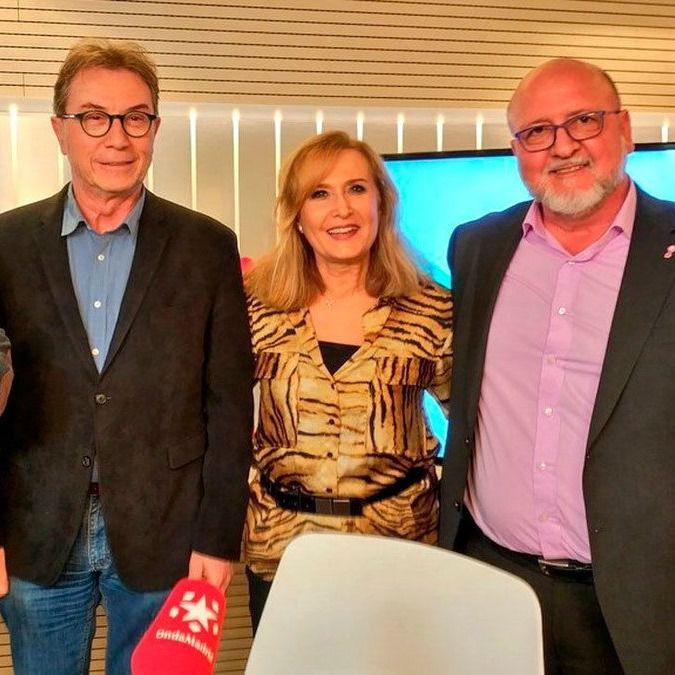 Luis Miguel López Reíllo y Jaime Cedrún junto Constantino Mediavilla y Nieves Herrero en Onda Madrid.