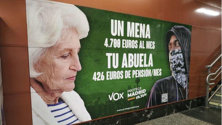Más de 40.000 firmas para la retirada del cartel de Vox contra los menores extranjeros