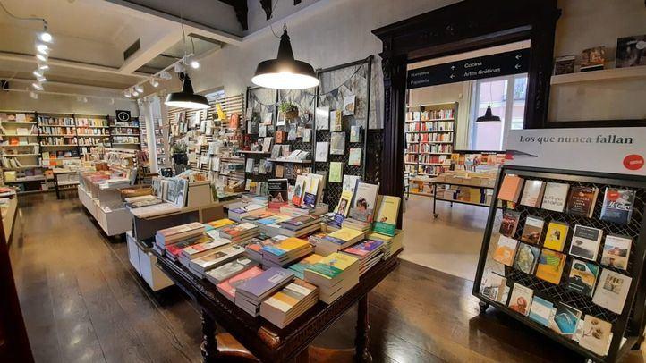 Las librerías resisten a los efectos de la pandemia y sacan sus ejemplares a la calle