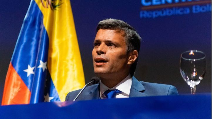 Leopoldo López en una rueda de prensa