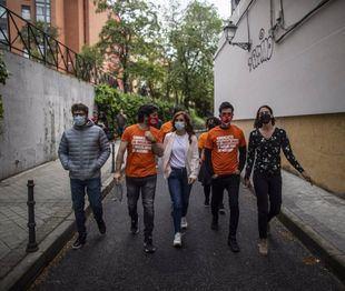 Mónica García con representantes del Sindicato de Inquilinos