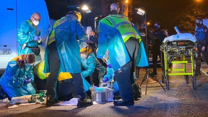 Heridos de gravedad dos jóvenes por arma blanca en una reyerta en Usera