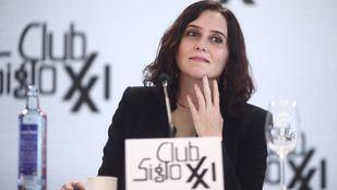 La candidata del PP en un acto en el Club Siglo XXI