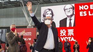 Ángel Gabilondo, candidato del PSOE a la presidencia de la Comunidad de Madrid, durante un acto electoral en Getafe