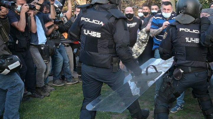 Cargas policiales en Vallecas por el acto de Vox