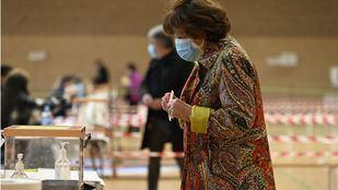 Los madrileños acuden a las urnas en un ambiente de crispación y con pocas propuestas