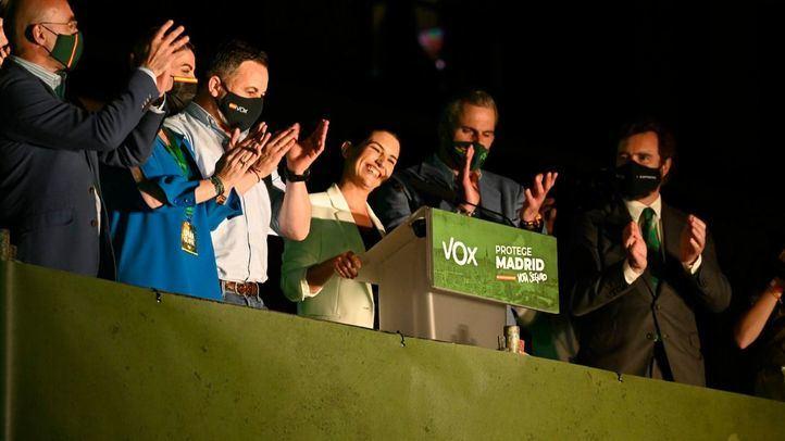 Rocío Monasterio celebra los resultados en la noche electoral.