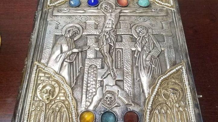 Recuperados tres valiosos objetos religiosos sustraídos de una parroquia