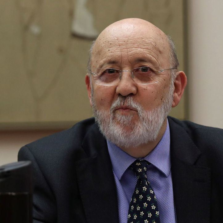 El presidente del Centro de Investigaciones Sociológicas (CIS), José Félix Tezanos, durante la comparecencia en la Comisión Constitucional del Congreso