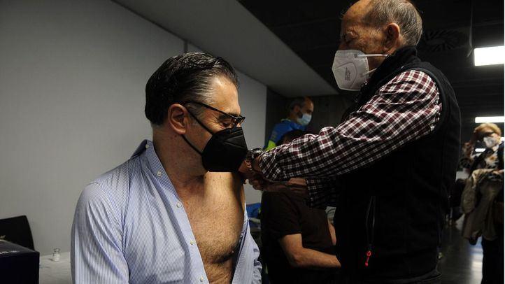 Madrid comienza a vacunar a población menor de 60 años