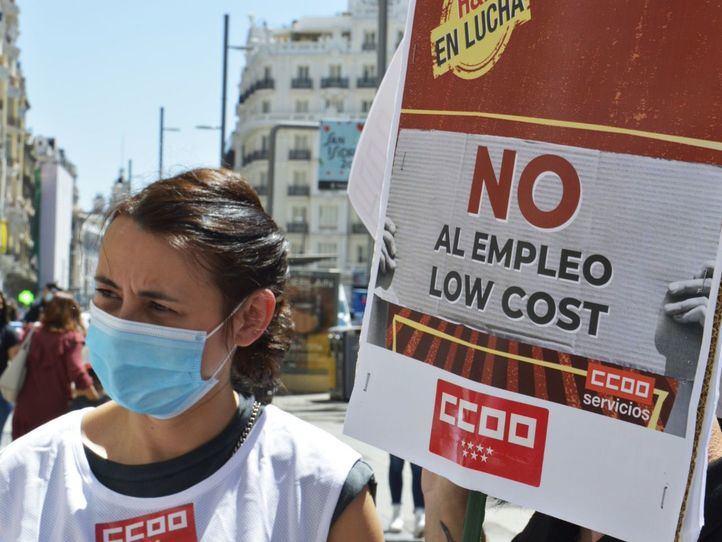 Los sindicatos se concentran ante la tienda H&M de Gran Vía contra el