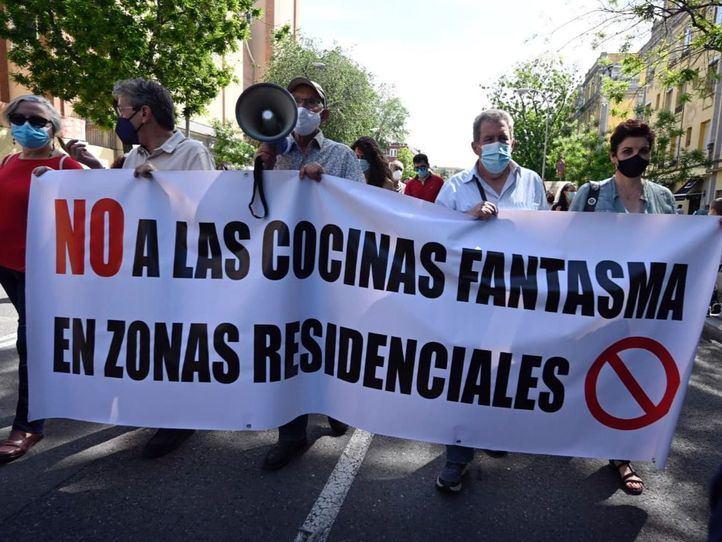 Los vecinos de Arganzuela, contra la instalación de una cocina fantasma junto al colegio Unamuno