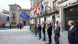 Acto en la Plaza De la Villa de celebración del Día de Europa