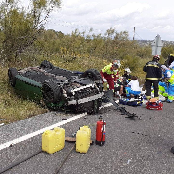 Trasladado grave en helicóptero al hospital tras volcar su coche en la M-522 en Quijorna