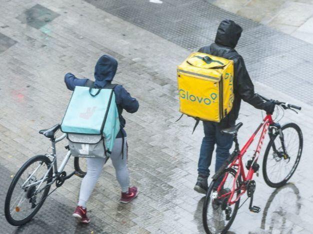 El Consejo de Ministros aprueba la 'ley rider' que obliga a contratar a los repartidores