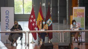La vicealcaldesa de Madrid, Begoña Villacís (c), preside la Comisión Permanente del Plan SURES