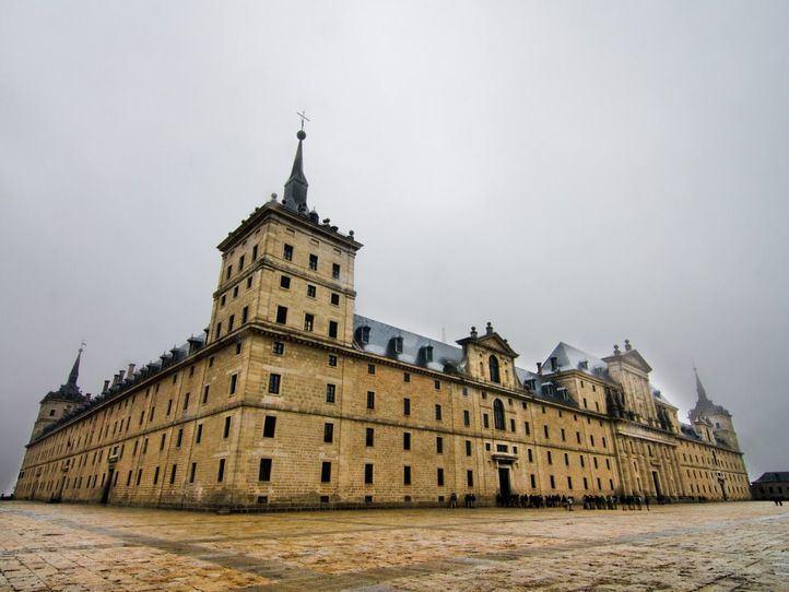Real Colegio de Alfonso XII fundado en 1875 y ubicado en el complejo del Monasterio de El Escorial.