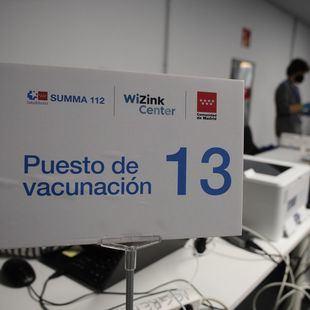 Madrid urge a Sanidad que tome una decisión sobre la segunda dosis de AstraZeneca