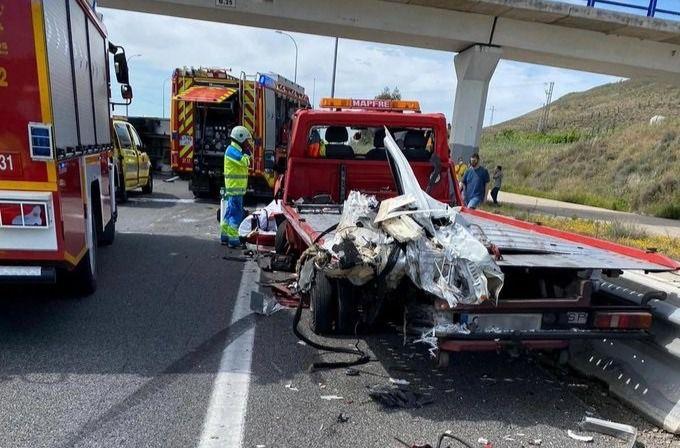 Accidente en la A-4 resultando tres personas heridas