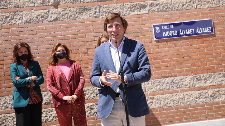 Madrid dedica a Isidoro Álvarez la calle de Arganzuela donde se instalaron las primeras oficinas de El Corte Inglés