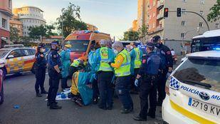 Herida grave una ciclista tras colisionar con una moto en Bravo Murillo