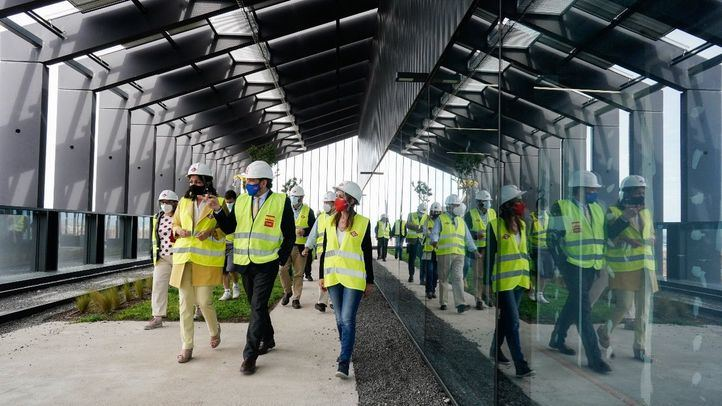 David Pérez, consejero de vivienda y transporte de la Comunidad de Madrid, visita las obras de la nueva sede de Metro de Madrid