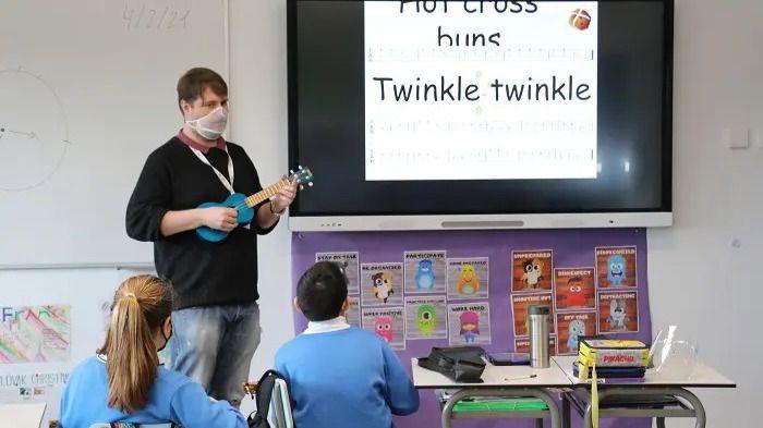 Una clase de música en Casvi International American School de Tres Cantos.