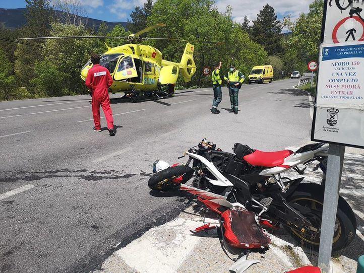 Herido grave tras chocar su moto contra una furgoneta en Rascafría