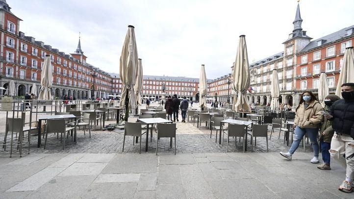 Madrid permitirá abrir la hostelería hasta la una de la madrugada y ampliará el número de comensales