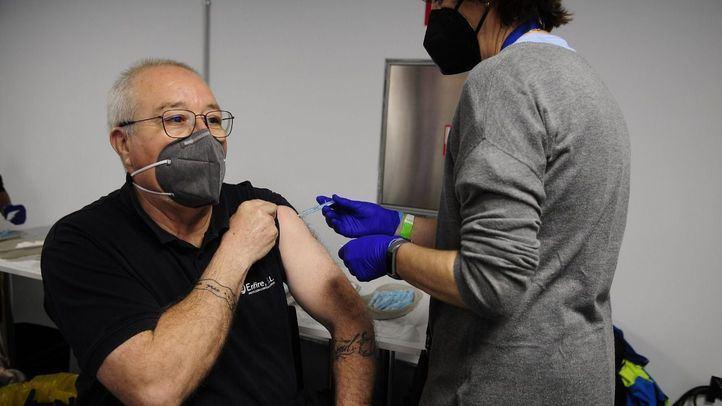 Madrid arranca la fase piloto del sistema de autocitación para vacunarse con 11.000 peticiones