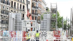 Dos leones de granito de 2.000 kilos coronarán el nuevo templete de la estación de Gran Vía