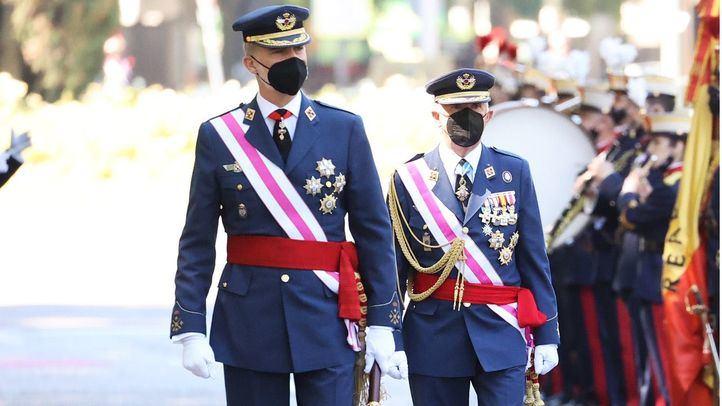 El Rey Felipe VI durante el desfile de las Fuerzas Armadas
