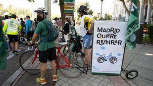 Una 'bicifestación' en defensa de Madrid Central recorre el centro de la capital
