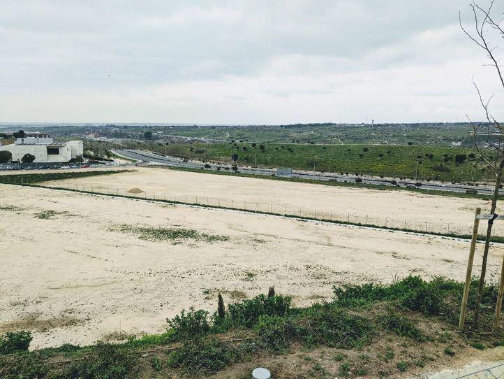 Parcela donde se ubicará el IES Blanca Fernández Ochoa de Montecarmelo