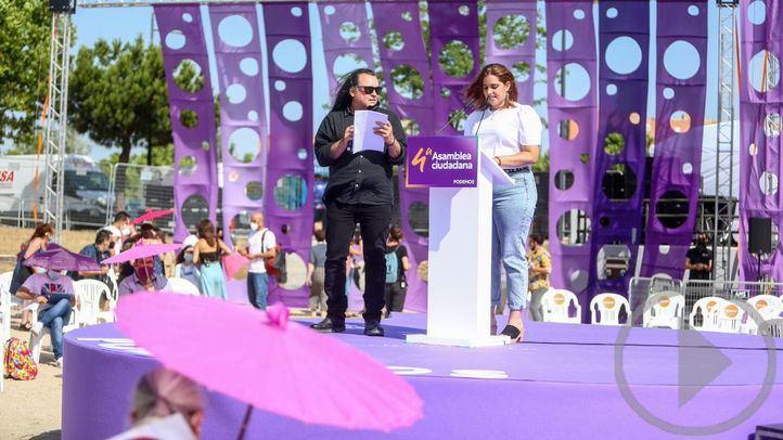 El candidato a secretario general de Unidas Podemos, Fernando Barrero, bajo la lista `Nuevo Impulso´, interviene, acompañado de Sarai Delgado, en la IV Asamblea Ciudadana Estatal de Podemos