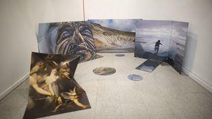 Varias de las fotografías de la exposición 'Naranja de sangre', de Liza Ambrossi