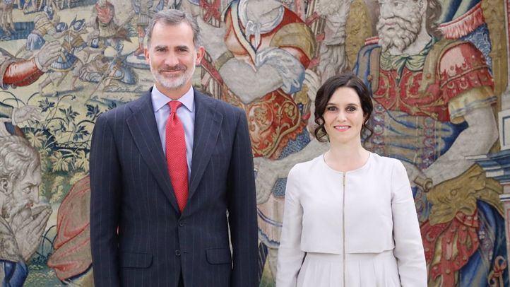 La presidenta de la Comunidad de Madrid, Isabel Díaz Ayuso, mantiene un encuentro con el Rey Felipe VI