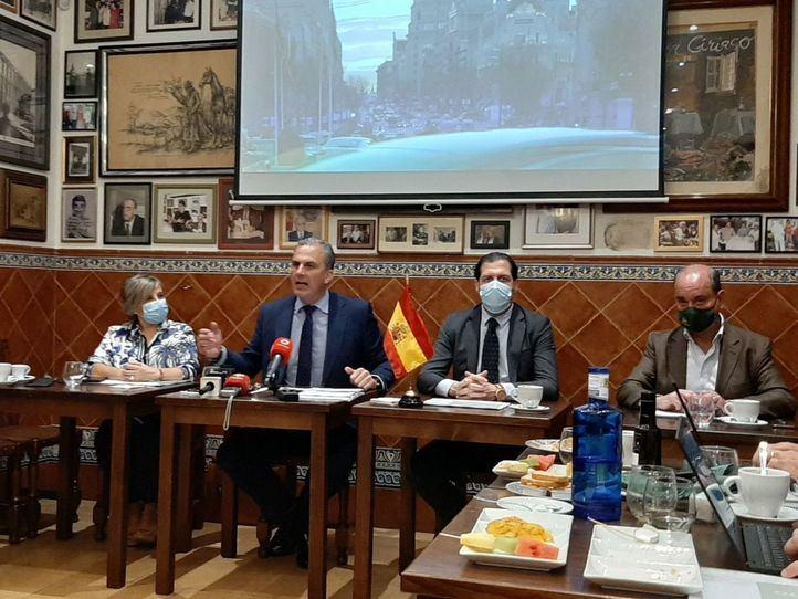 Los concejales de Vox en el Ayuntamiento analizan los dos primeros años del mandato.