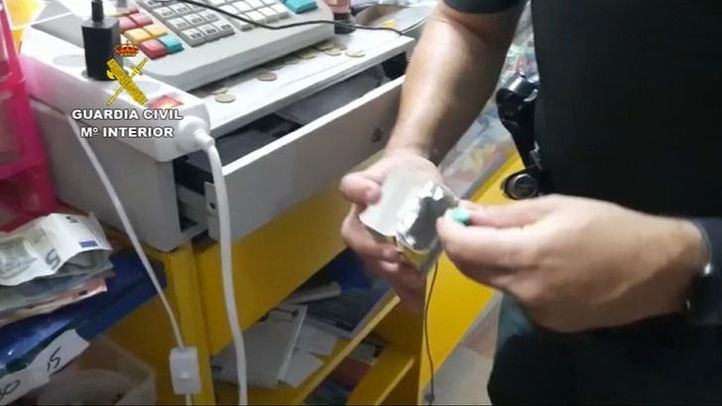 Detenida una mujer propietaria de un establecimiento en El Álamo por tráfico de drogas