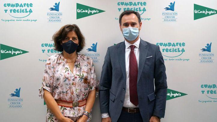 Guadalupe Corzo, Responsable de Compras de Juguetes de El Corte Inglés, y José Antonio Pastor, presidente de la Fundación Crecer Jugando