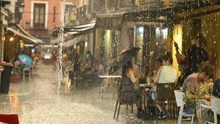 Subsanadas las incidencias en Metro por las lluvias, que serán fuertes también este jueves