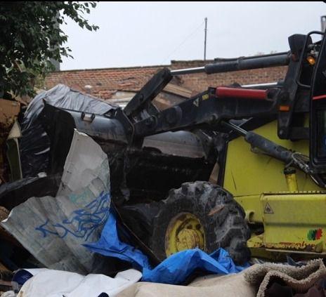 Las máquinas desmantelan las chabolas en Chamartín