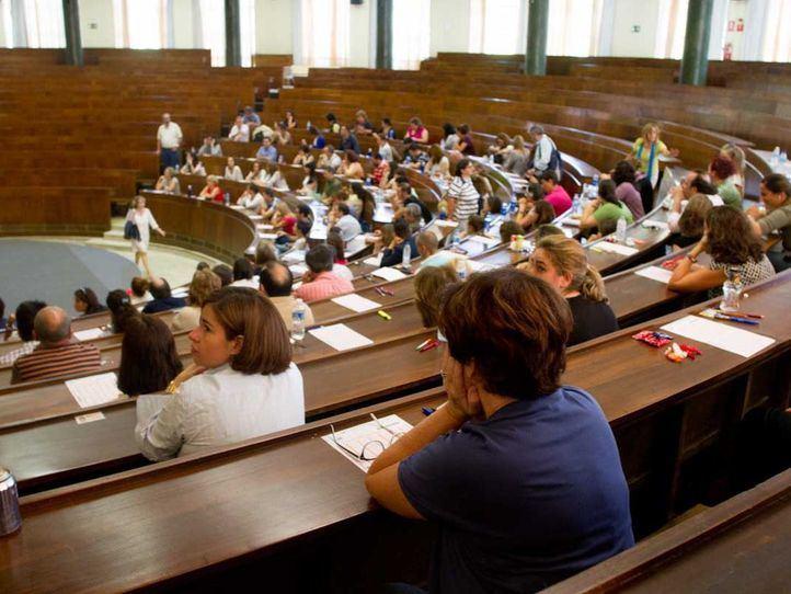 Más de 28.000 personas se enfrentan a las oposiciones de profesor de Secundaria y FP en Madrid