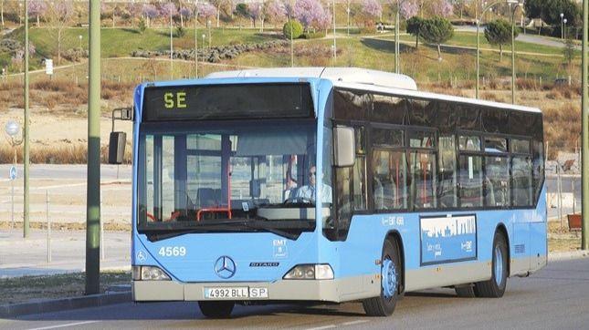 Foto de archivo de un servicio especial de autobús